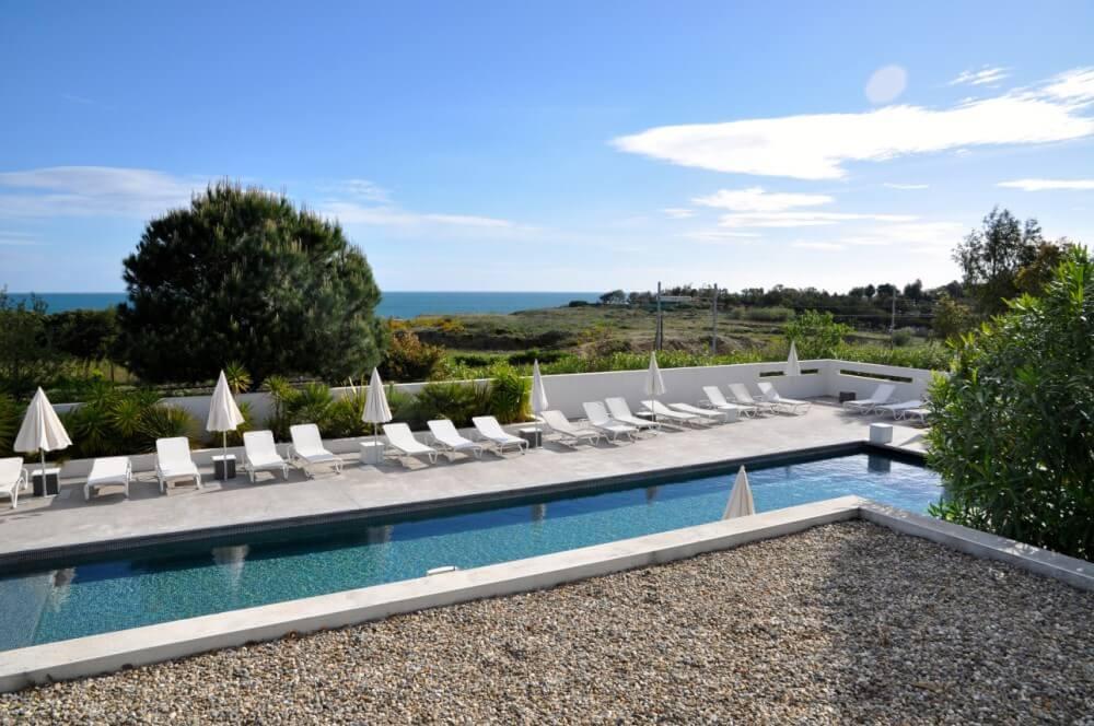piscine avec vue sur mer au grand hotel du golfe entre collioure et argeles sur mer